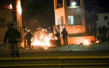 «Την ώρα που οι αστυνομικοί έφευγαν από τη Μυτιλήνη λιμενικοί τους έκαναν χειρονομίες»