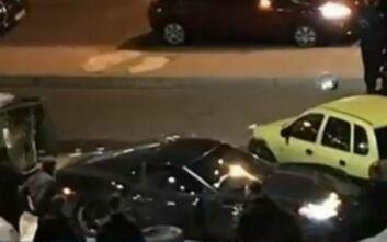 Τροχαίο με εγκατάλειψη στη Γλυφάδα: Ανθρωποκυνηγητό για τον οδηγό του πολυτελούς σπορ αυτοκινήτου