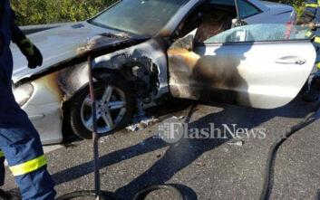 Φωτιά σε αυτοκίνητο στην εθνική οδό στα Χανιά - Τελευταία στιγμή πρόλαβαν οι επιβάτες