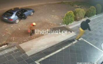 Έσπασαν βιτρίνα με βαριοπούλα και έκλεψαν κατάστημα στη Θεσσαλονίκη μέσα σε 3 λεπτά