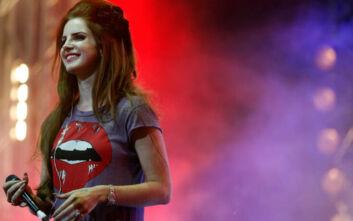 Η Lana Del Rey έχασε τη φωνή της και ακύρωσε την περιοδεία της