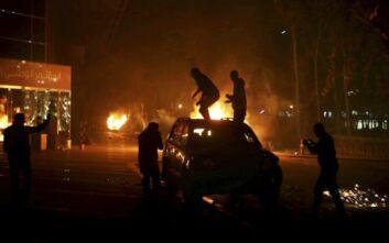 Κόλαση πυρός το βράδυ στην πρωτεύουσα της Λιβύης