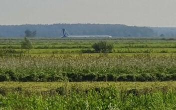 Ρωσία: Boeing με 200 επιβάτες επιστρέφει στη Μόσχα λόγω ρωγμής