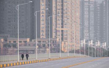 Bloomberg: Η Κίνα θυσιάζει μία επαρχία για να σώσει τον κόσμο από τον κοροναϊό