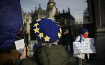 Brexit: Το Λονδίνο θέλει συμφωνία ελεύθερου εμπορίου «μεταξύ ίσων» με την ΕΕ