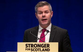 Παραιτήθηκε ο υπουργός Οικονομικών της Σκωτίας που έστελνε μηνύματα σε 16χρονο αγόρι