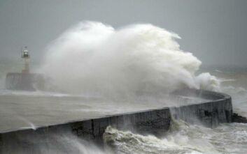 Μεγάλη Βρετανία: Πολλά προβλήματα λόγω της καταιγίδας Κιάρα