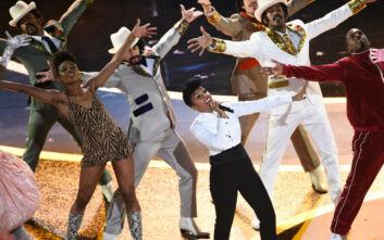 Όσκαρ 2020: Η άκρως εντυπωσιακή έναρξη και τα μηνύματα της τραγουδίστριας Τζανέλ Μονέ