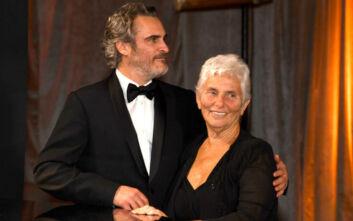 Ο Joaquin Phoenix με τη μαμά του στα Όσκαρ 2020