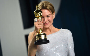 Όσκαρ 2020: Η Ρενέ Ζελβέγκερ αφιέρωσε το βραβείο στους μετανάστες γονείς της