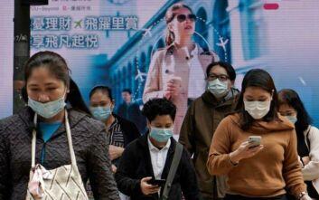 Κορονοϊός: Έρημα τα συνήθως γεμάτα εμπορικά και εστιατόρια στο Χονγκ Κονγκ