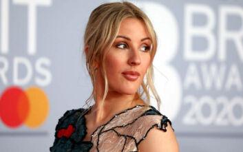 Τραγουδίστρια συνιστά συγκράτηση από αρνητικά σχόλια στο διαδίκτυο