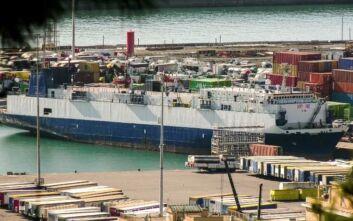 Σύλληψη πλοιάρχου στη Γένοβα: Υποψία ότι το καράβι μετέφερε όπλα από την Τουρκία στη Λιβύη