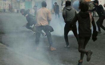 Άγριες συγκρούσεις διαδηλωτών και αστυνομίας στη Βαγδάτη με νεκρούς και τραυματίες