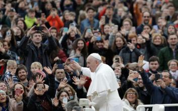 Πάπας Φραγκίσκος σε ιερείς: Δώστε την κοινωνία κατ' οίκον στους ασθενείς