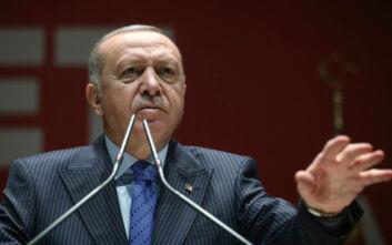 Ερντογάν: Μείνετε στο σπίτι και προσευχηθείτε εκεί, όχι στα τεμένη