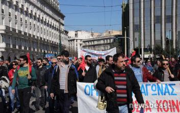 Στη Βουλή ενώθηκαν οι απεργιακές πορείες κατά του ασφαλιστικού
