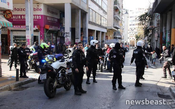 Φωτογραφίες από το σημείο της άγριας συμπλοκής στο κέντρο της Αθήνας