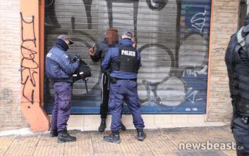 Φωτογραφίες από την αστυνομική επιχείρηση στη Μενάνδρου στο κέντρο της Αθήνας