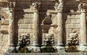 Τα ενετικά «βρυσάκια» που είναι τουριστική ατραξιόν ελληνικής πόλης