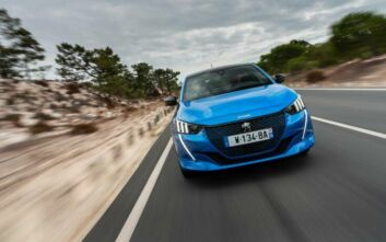«Ποδαρικό» στο 2020 με τριπλή βράβευση για την Peugeot