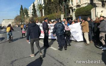 Διαμαρτυρία νησιωτών για το προσφυγικό: Έκλεισε η κάθοδος της Βασιλίσσης Σοφίας