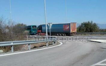 Τροχαίο με λεωφορείο του ΚΤΕΛ στη Φθιώτιδα: Νταλίκα παραβίασε το STOP