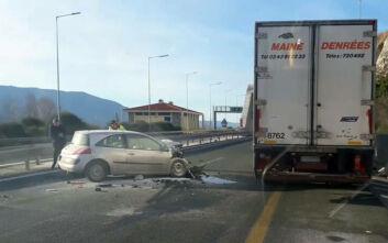 Τροχαίο στην Εγνατία Οδό: ΙΧ συγκρούστηκε με φορτηγό και άρπαξε φωτιά
