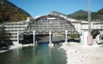Αναστηλώθηκε το ιστορικό πέτρινο γεφύρι της Πλάκας