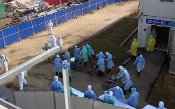 Κοροναϊός: Οι πρώτοι ασθενείς στο νοσοκομείο της Ουχάν που κατασκευάστηκε σε 10 μέρες
