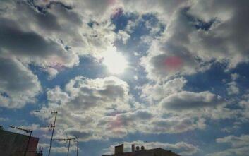 Βελτιώνεται ο καιρός την Κυριακή - Τοπικές βροχές και 8 μποφόρ στο Αιγαίο
