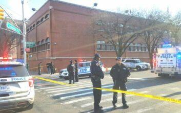 Πυροβολισμοί σε αστυνομικό τμήμα της Νέας Υόρκης: Ένας τραυματίας