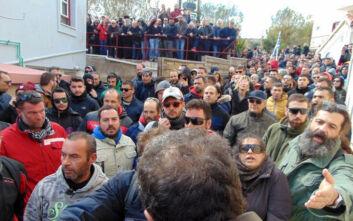 Νέα ένταση στη Χίο: Κάτοικοι μπήκαν στο ξενοδοχείο που μένουν οι άντρες των ΜΑΤ και τους επιτέθηκαν