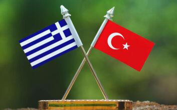 Με βανάκι η ελληνική διπλωματική αντιπροσωπεία στην Κωνσταντινούπολη για τις νέες συνομιλίες