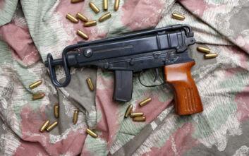 Βαρύς οπλισμός σε σπίτι σεσημασμένου ηλικιωμένου στην Καλαμαριά