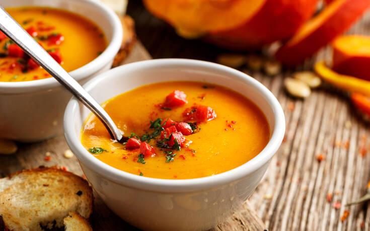 Σπαγγέτι με τόνο και κόκκινη σάλτσα – Newsbeast