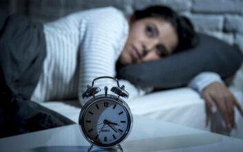 Το κόλπο για να κοιμηθείτε μέσα σε 1 λεπτό