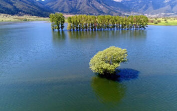 Εντυπωσιακές εικόνες από τη μυθική λίμνη όπου ο Ηρακλής αντιμετώπισε τις Στυμφαλίδες Όρνιθες