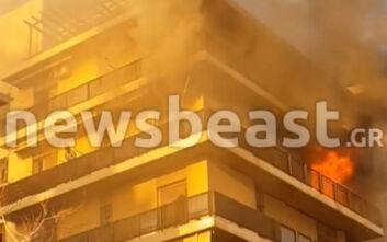 Συγκλονιστικό βίντεο από τη φωτιά στο διαμέρισμα στο Παλαιό Φάληρο