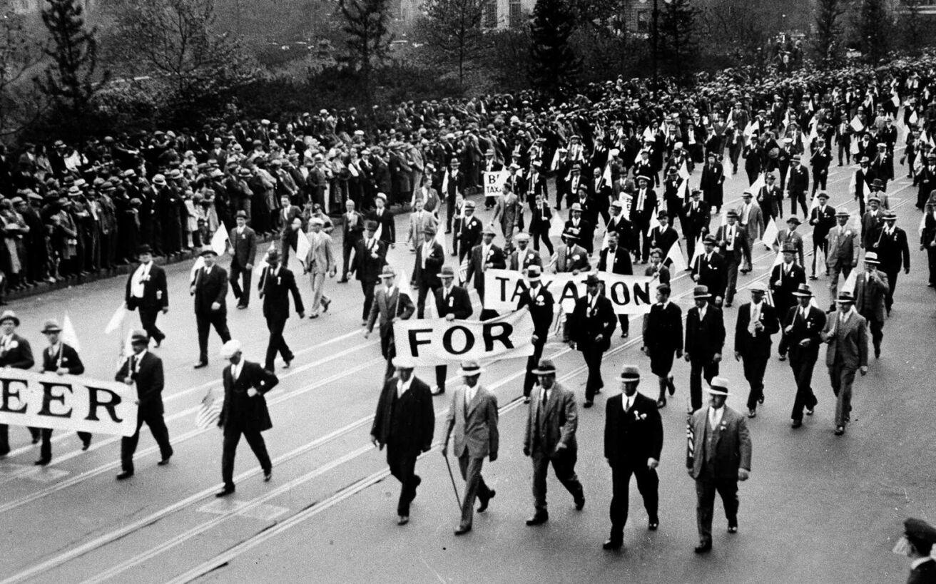 Όταν 150.000 άνθρωποι διαδήλωσαν ζητώντας να φορολογηθούν