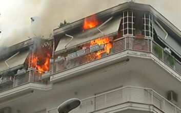 Φωτιά τώρα σε διαμέρισμα στη Θεσσαλονίκη
