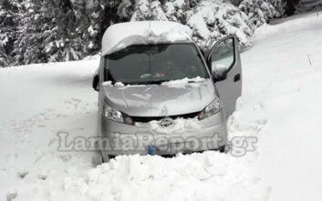 Τουρίστας εγκλωβίστηκε στα χιόνια στην Καλοσκοπή