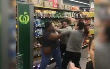 Γυναίκες πιάστηκαν στα χέρια σε σούπερ μάρκετ για το χαρτί υγείας