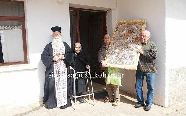 Περιφορά της εικόνας της Παναγιάς στη Σιάτιστα Κοζάνης για την προστασία των πιστών από τον κορονοϊό