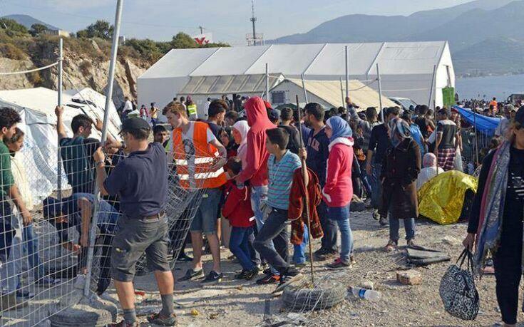Μυτιλήνη: Με αστυνομική προστασία οι μετανάστες και πρόσφυγες μετά τα επεισόδια