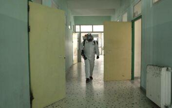 Απολύμανση σχολείων, ΚΑΠΗ, λεωφορείων και δημόσιων εγκαταστάσεων στη Γλυφάδα λόγω κορονοϊού