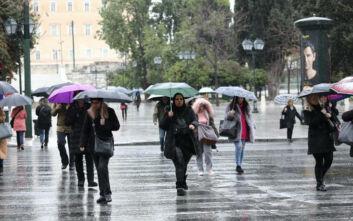 Καιρός: Συνεχίζεται η κακοκαιρία – Βροχές, καταιγίδες και κρύο σήμερα