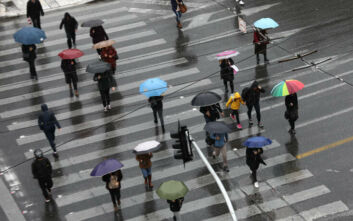Καιρός: Τοπικές βροχές και σήμερα, ανεβαίνει από αύριο η θερμοκρασία