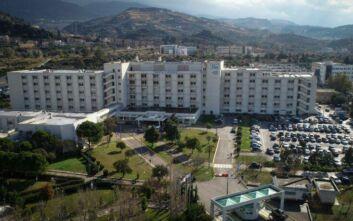 Κορονοϊός: Διασωληνώθηκε ο 66χρονος που νοσηλεύεται στο Πανεπιστημιακό Νοσοκομείο Ρίου