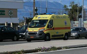Κορονοϊός: Πρώτη διακομιδή ύποπτου περιστατικού από τη Δαμασκηνιά μετά την καραντίνα